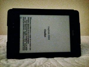 """Kindle en modo """"lectura en la cama"""""""